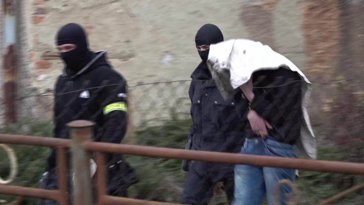 Két faluban is drograzziát tartott a NAKA!