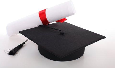 Kell-e diploma? A főiskolai végzősök csaknem fele soha nem dolgozott a saját szakterületén