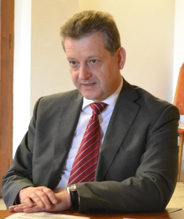 VÁLASZTÁSOK: Dunaszerdahelyen Hájos Zoltán marad a polgármester, MKP-s többségű testülettel