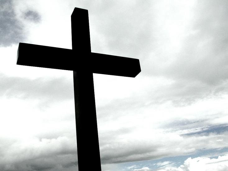 CIKI: Sampont lopott a pap, és állítólag mellet villantott a hitoktatónő Vízkeleten