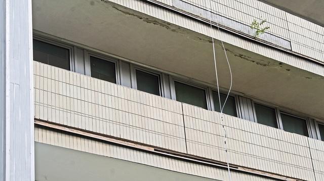TRAGÉDIA: A tévékábelen akart megszökni a kórházból, de lezuhant és szörnyethalt