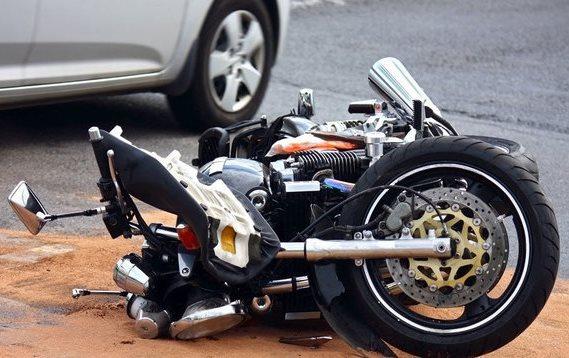 Nem mindennapi rendszámmal száguldozik a pozsonyi motoros!
