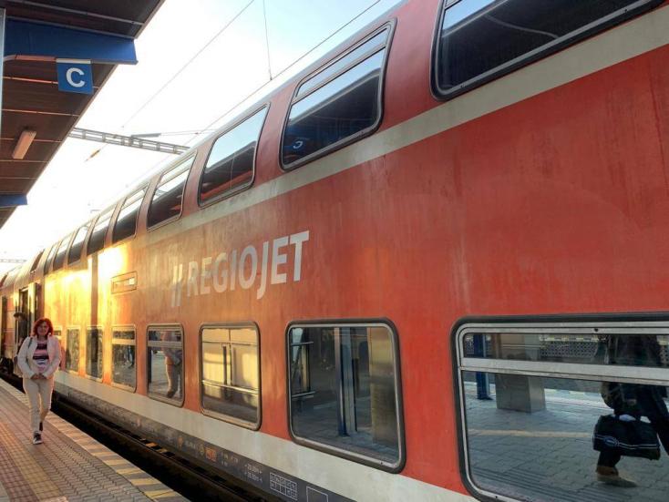 München mellől jöttek a RegioJet emeletes szerelvényei – több száz ülőhellyel lesz több reggel Dunaszerdahelyen!