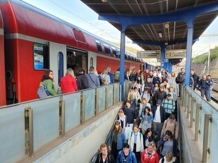 Műszaki problémák miatt akár egy órát is késhetnek a RegioJet járatai