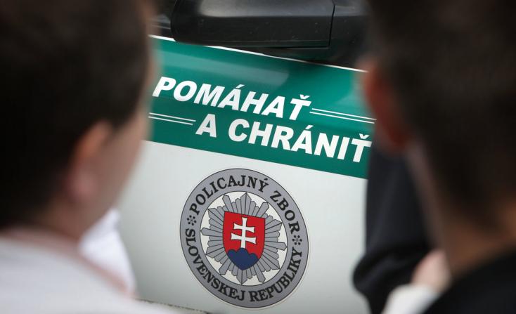 Rendőrök mentettek meg egy férfit, kihúztak egy kést a melléből