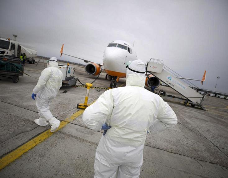 Koronavírus - Hollandiát követően Belgium és Ausztria se enged be repülőgépeket Nagy-Britanniából
