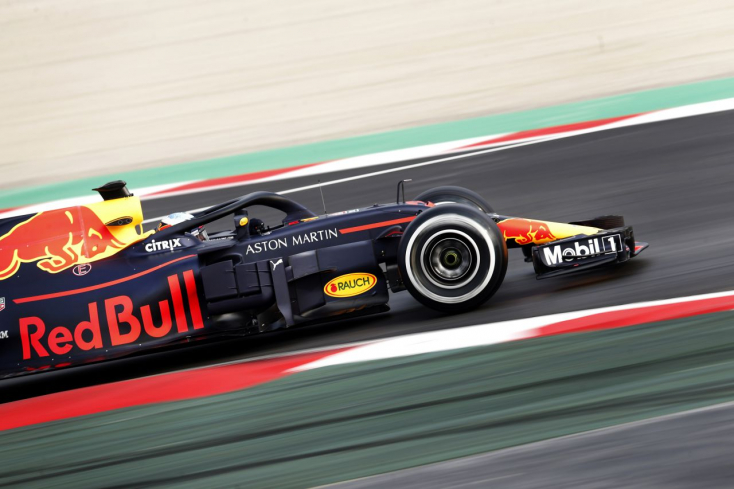 Forma-1: Ricciardo nem hivatalos pályacsúcsot autózott Barcelonában