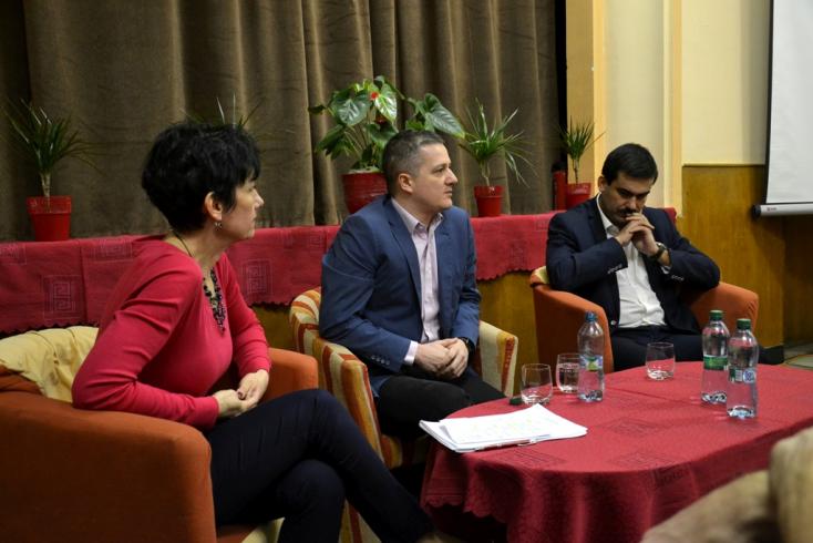 Rigó Konrád bemutatta a kulturális minisztérium új támogatási rendszerét Füleken