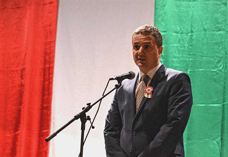 Rigó Konrád: Nem szabad, hogy fiataljainkat a szélsőséges gondolatok felőröljék