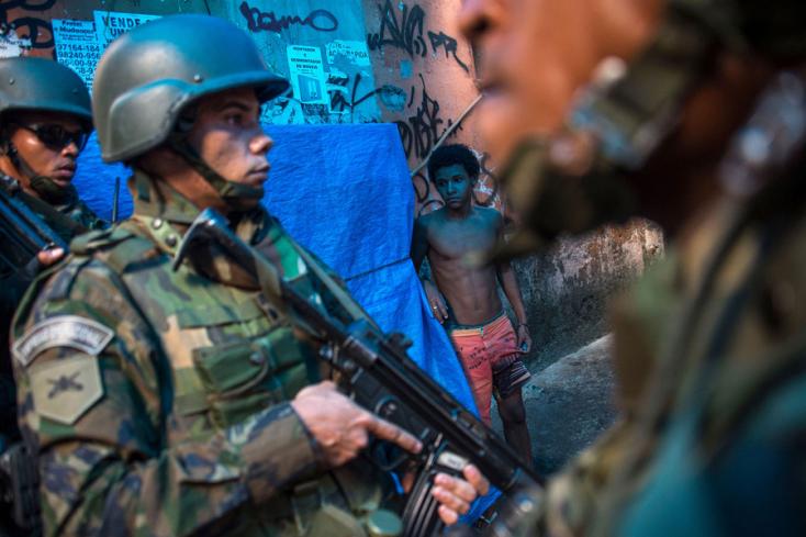 Kivonják a katonákat a legnagyobb brazil nyomornegyedből