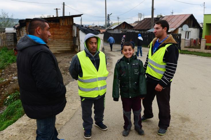 Folytathatják munkájukat a roma polgárőrök