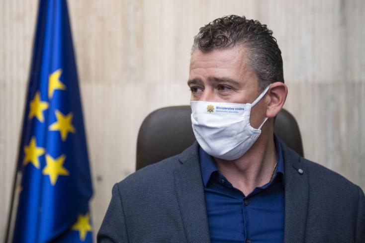 Amíg nincs meg Kyselica utódja, Mikulec vezeti arendőrségi reformot előkészítő bizottságot