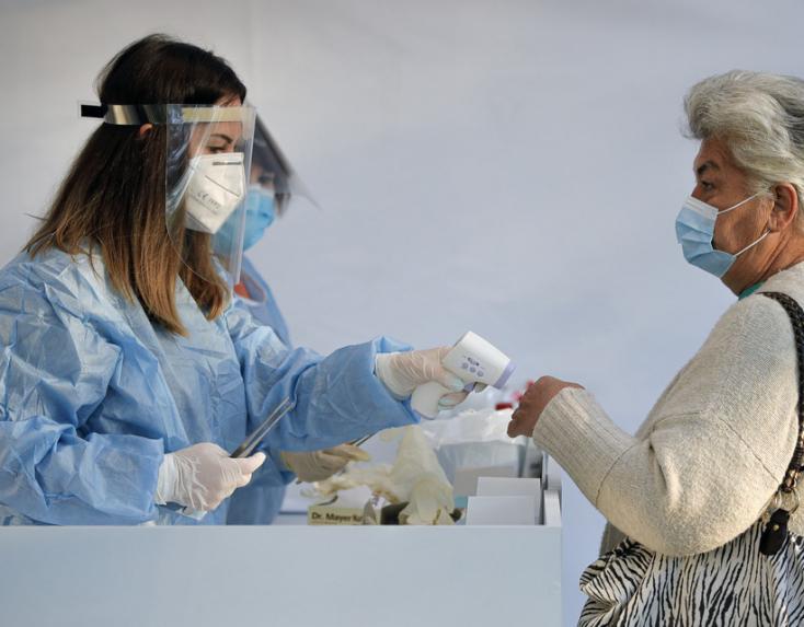 Koronavírus - Romániában az újonnan fertőzöttek több mint 80 százaléka beoltatlan