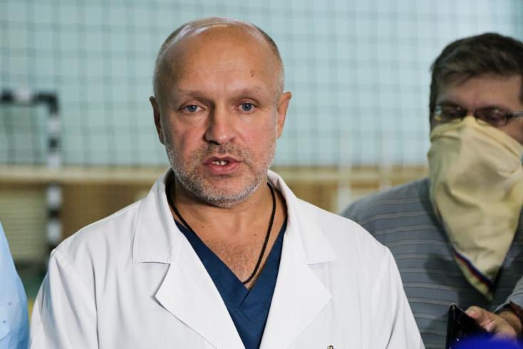 Az omszki kórház főorvosa szerintnem voltméregNavalnij szervezetében
