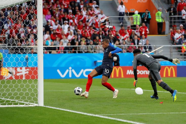 Győztek a franciák, Peru búcsúzik