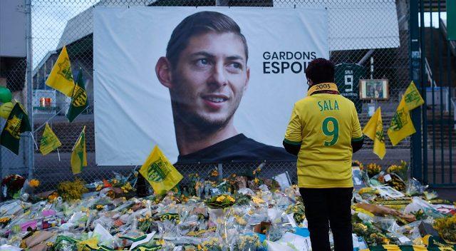 A Bajnokok Ligája és az Európa-liga mérkőzésein egy perces néma csenddel emlékeznek Emiliano Salára
