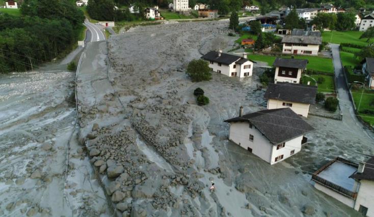 Hatalmas sárlavina pusztított Svájcban, nyolcan eltűntek!