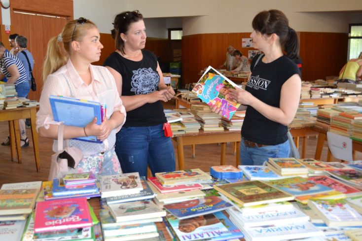 Könyvmolyok és képvadászok somfordáltak Sárosfán