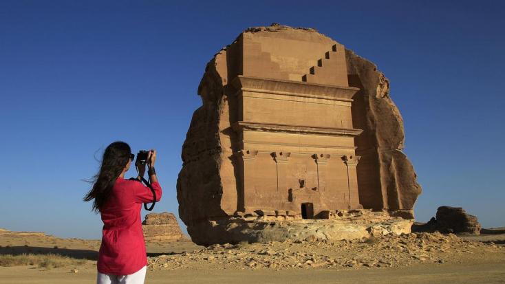 Szaúd-Arábia megnyitotta kapuit a turizmus előtt