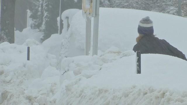 Németországban havazás és vihardagály okozott fennakadásokat