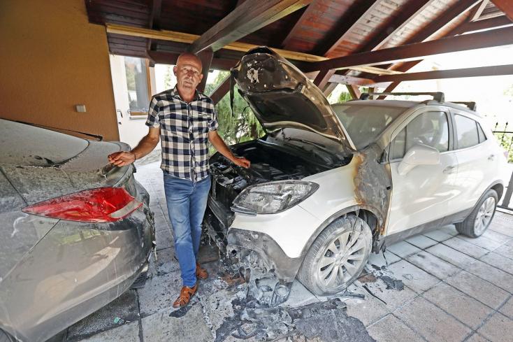 A polgármester autóit gyújtották fel Gútoron, könnyen leéghetett volna az egész háza!