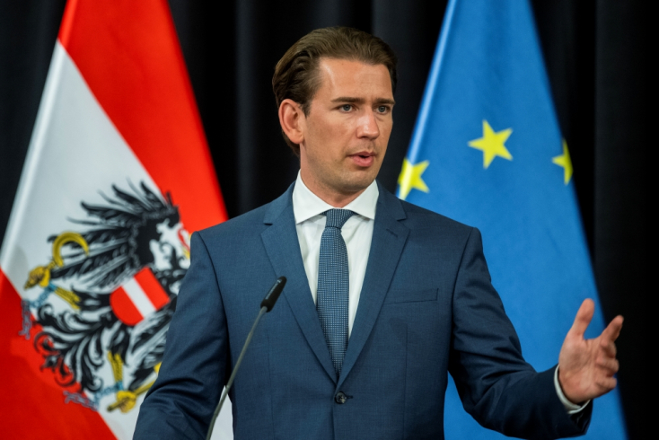 Ausztria pár nap múlva szigorít, az oltatlanokat FFP2-es maszk viselésére kötelezik