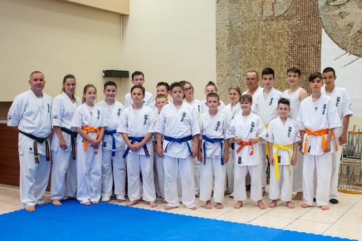 Övvizsgát tartottak a Seishin Karate Klubban, minden vizsgázónak sikerült eggyel magasabb szintre lépnie