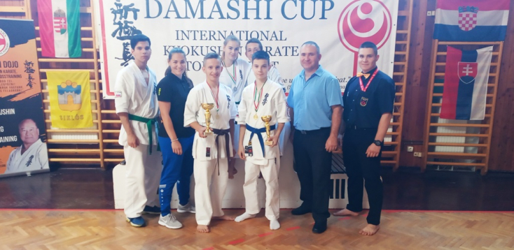 Taroltak a Seishin Karate Klub karatékái