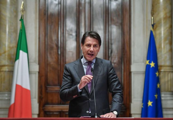 Olasz kormányalakítás - Az Öt Csillag Mozgalom az olasz államfő lemondatását szorgalmazza
