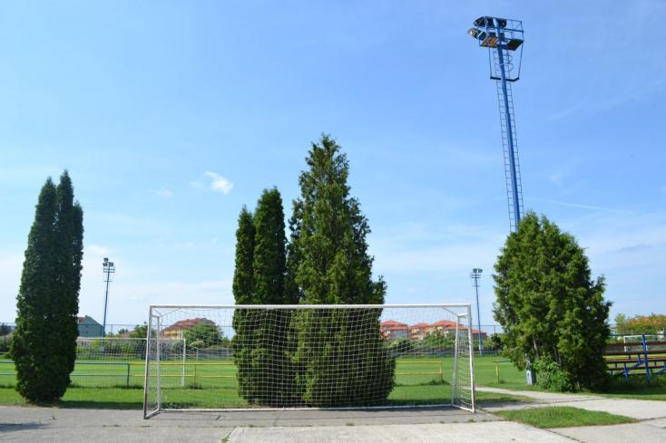 Jövőre pihenőparkot létesítenek a sikabonyi focipályánál