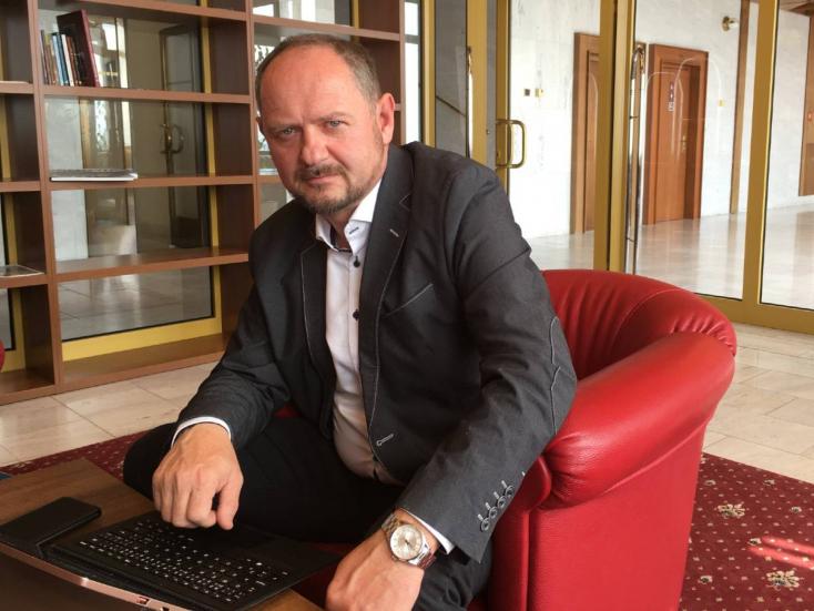 Ha a kupleráj nem működik, akkor nem a bútort kell lecserélni - interjú Simon Zsolttal
