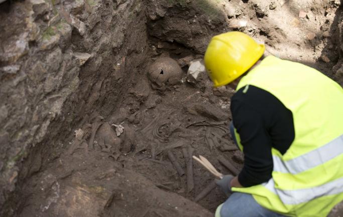 Bronzkori sírokat találtak a régészek Rimaszombatban