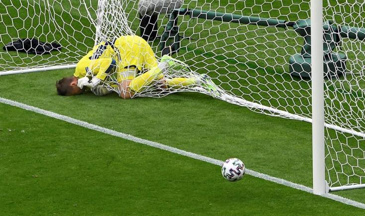 Itt az Európa-bajnokság eddig legnagyobb gólja, egy csehcsatár követte el