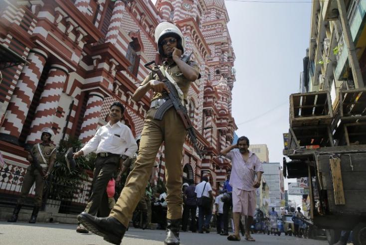 Lemondott a Srí Lanka-i országos rendőrparancsnok
