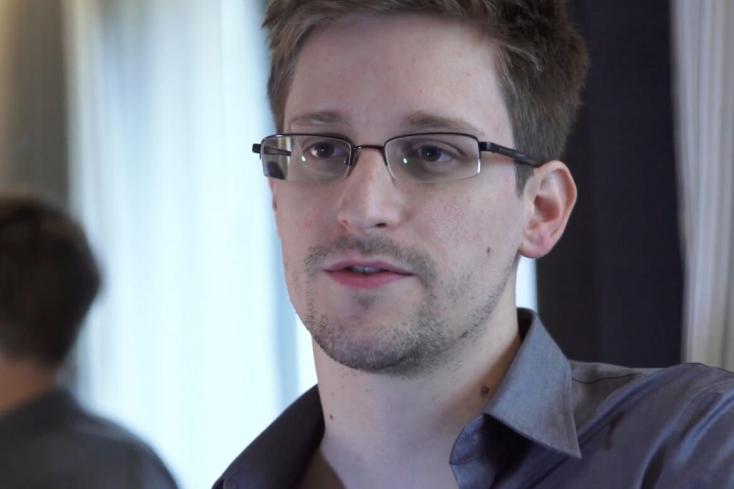 Snowdent megpróbálták beszervezni az oroszok