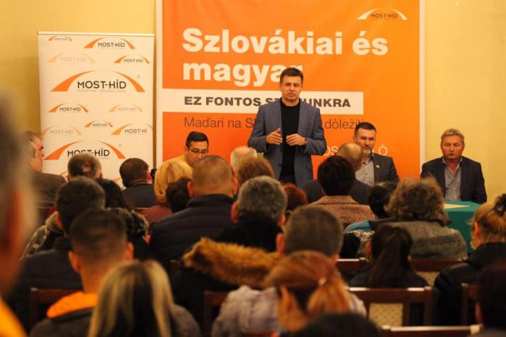 Bugár után az elnökség is lemondott, egy négytagú testület vette át az irányítást