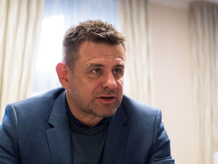 Őrizetbe vette, majd kiengedte a rendőrség Sólymos László környezetvédelmi minisztert