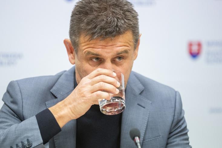 Zabálják a szlovák lapok, ahogy Sólymos kezelte az incidensét