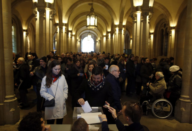 Exit poll: Függetlenségpártiak szerezhetnek többséget a katalán parlamentben