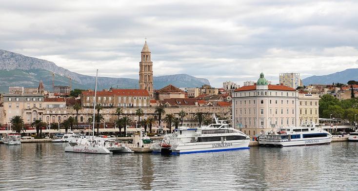 A tengerparti éjszakai szórakozóhelyeket ellepő fiatalok a koronavírus legfőbb terjesztői Horvátországban
