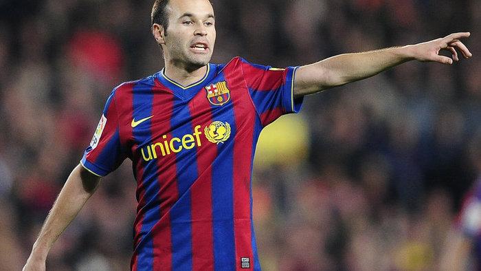 A Barcelona bízik Iniesta felépülésében, a sajtó kevésbé