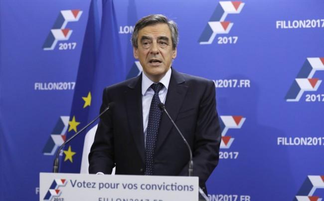 Kvótarendszerrel csökkentené Fillon elnökjelölt a bevándorlást Franciaországban