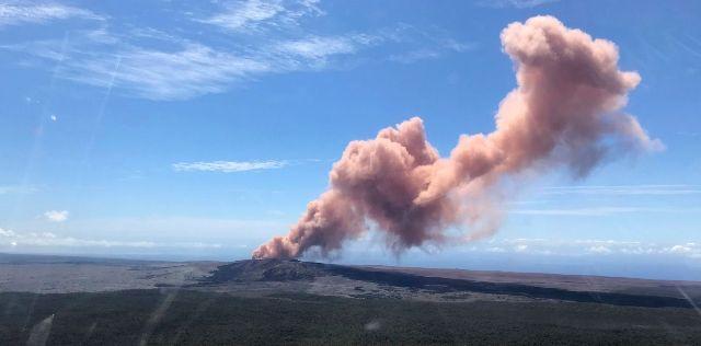 Csúcskitöréssel fenyeget a vulkán