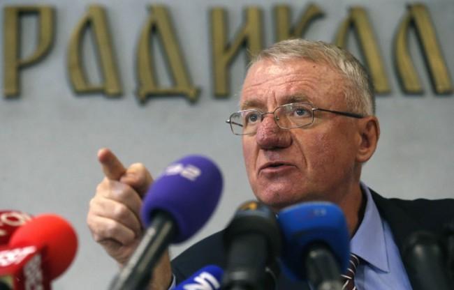 A Nemzetközi Törvényszék ügyésze a Vojislav Seseljt felmentő ítélet visszavonását sürgeti