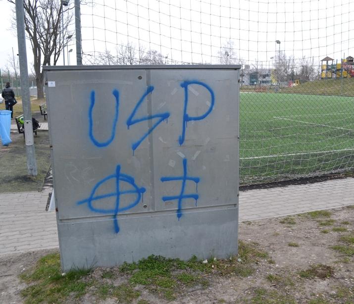 BALFÁCÁNOK: Összefirkálták fél Dunaszerdahelyt a Slovan huligánjai