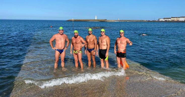 Féltáv letudva, már Skócia felé úsznak adunaszerdahelyi Sportfanatic úszói!