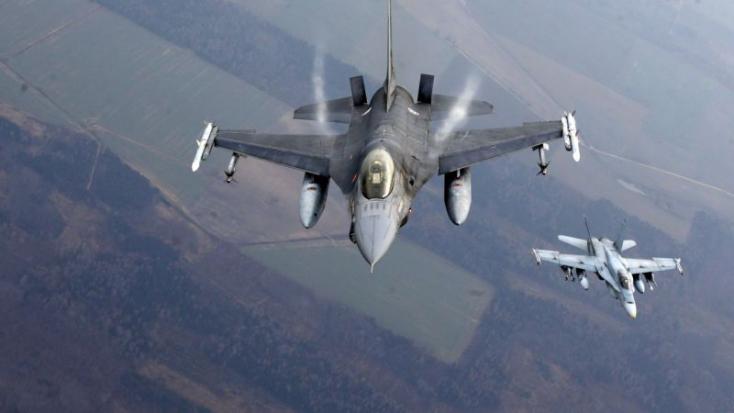 A kormány döntött: Szlovákia F-16-os vadászgépeket vásárol az Egyesült Államoktól
