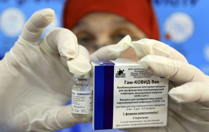 Az egészségügyi minisztérium egyelőre nem tud róla, hogy az oroszok jóváhagyták volna a Szputnyik V szlovákiai használatát