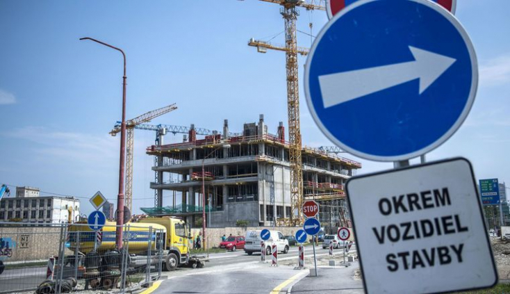 Súlyosan megsérült egy fiatal az új pozsonyi buszállomás építésén