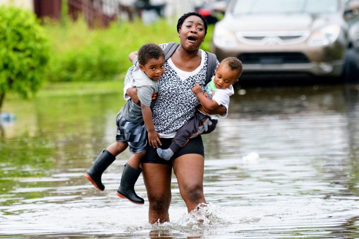 Hurrikánriadó van Louisianában, New Orleansban szükségállapotot rendeltek el